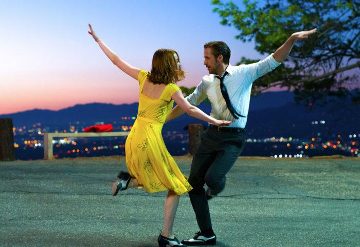 할리우드 뮤지컬 영화 <라라랜드>(2016)는 국내에서 350만 관객을 돌파하며 올해 상반기까지 장기 흥행했다. 사진판씨네마(주)