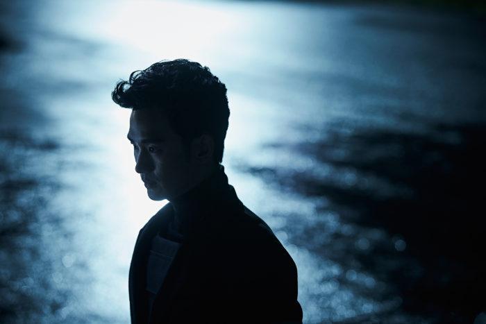 기여도로 따지면 '1인 4역'이라고 해도 무방한 김수현의 열연에도 불구하고, 기대했던 어떤 것에도 답을 주지 못한 채 영화는 끝이 난다. 사진 CJ엔터테인먼트
