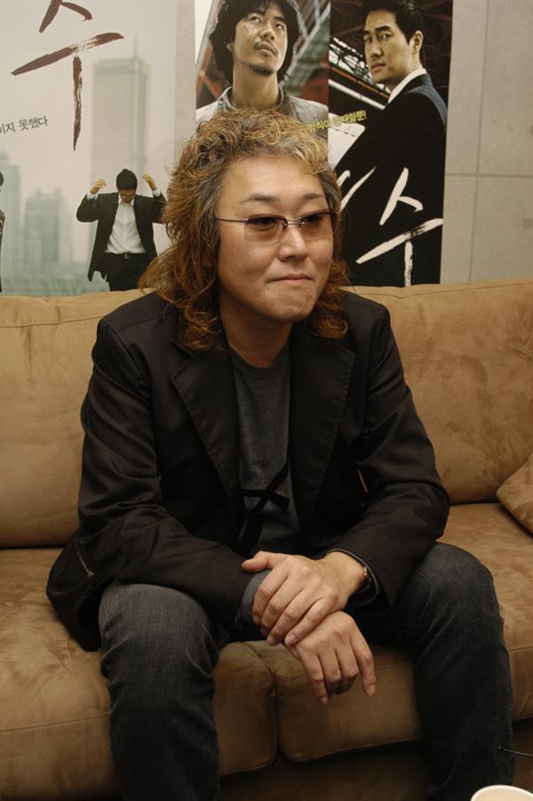 카와이 켄지 음악 감독이 첫 번째 제천아시아영화음악상 수상자로 선정됐다. 8월 10일(목) 열리는 13회 제천국제음악영화제 개막식 무대에 참석해 직접 상을 수여할 예정이다. 사진 맥스무비
