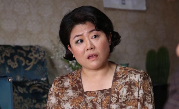 이정은은 <변호인>(2013) <재심> 등에서 코믹하지만 따뜻한 조연을 연기했다. 사진 NEW