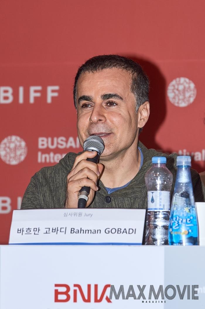 바흐만 고바디 감독은 자신의 어려운 시절을 함께한 故 김지석 프로그래머를 향한 그리움을 표현했다. ⓒ맥스무비 김소연 (에이전시 테오)