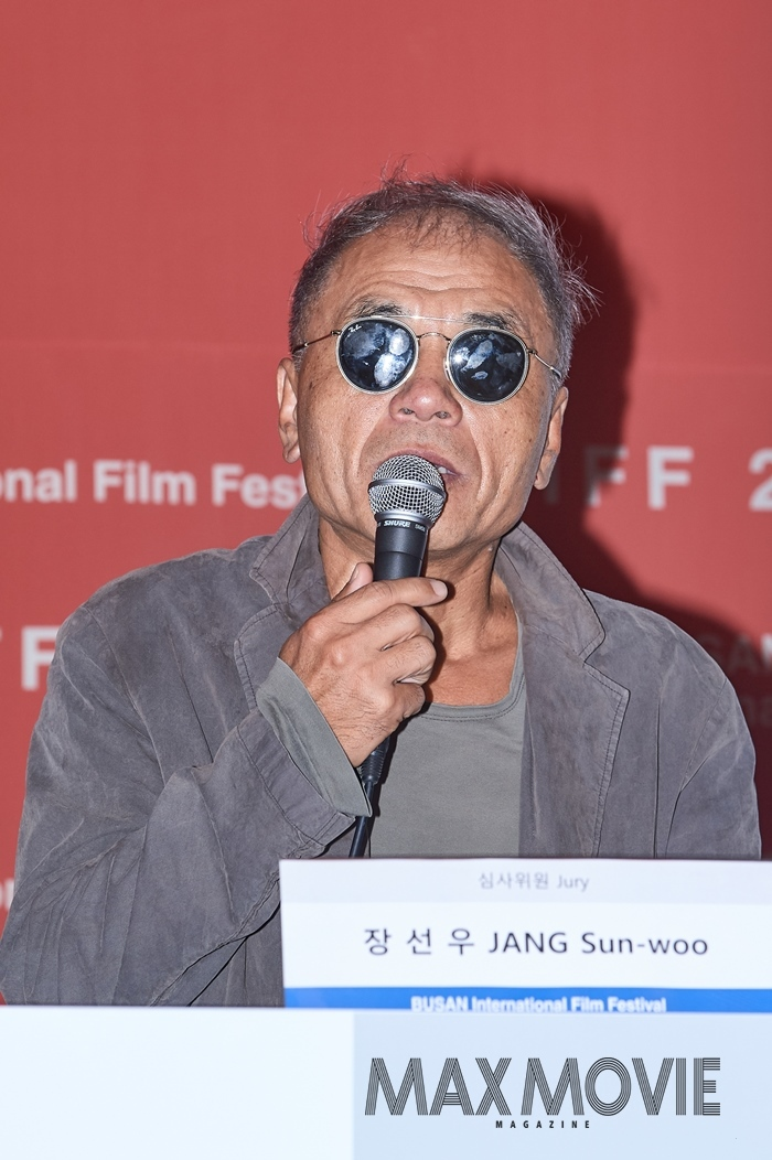 <꽃잎>(1996)과 <성냥팔이 소녀의 재림>(2002)를 연출한 장선우 감독이 한국을 대표해 '뉴커런츠' 부문 심사위원으로 활약한다. ⓒ맥스무비 김소연 (에이전시 테오)