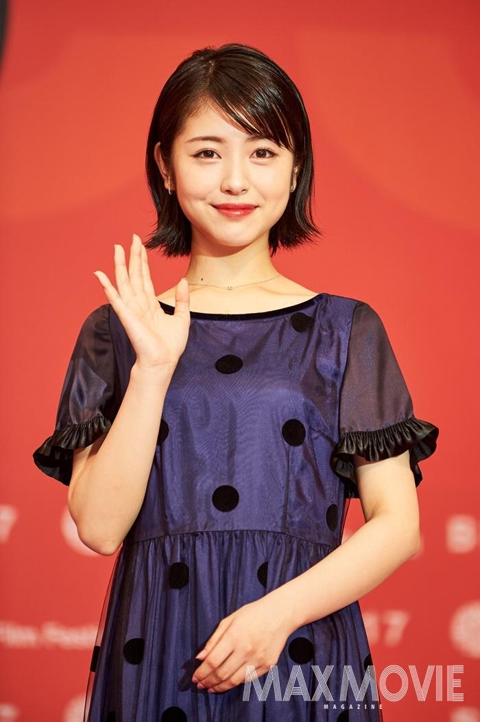 하마베 미나미는 22회 BIFF로 한국을 처음 방문했다. 비바람 속에서도 배우와 감독에게 뜨거운 박수를 보낸 BIFF 관객은 하마베 미나미에게 깊은 인상을 남겼다. ⓒ맥스무비 김유찬 (에이전시 테오)