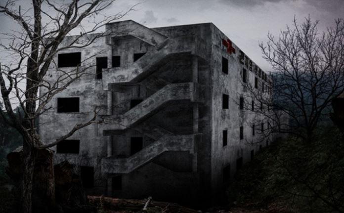 영화의 배경이 된 곤지암 정신병원은 부산의 한 폐교에서 촬영된 것이다. 사진 쇼박스