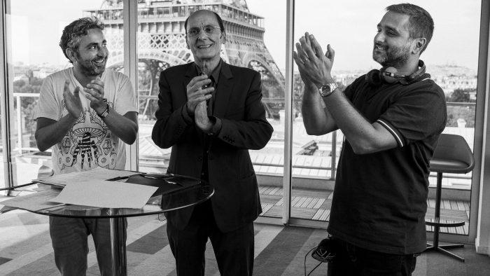 올리비에르 나카체 감독은 마지막 촬영날 장 피에르 바크리에게 제작진 전원이 박수를 치고, 배우가 싫어하는 분위기에도 크게 웃었던 순간에 감동받았다. 사진 디스테이션