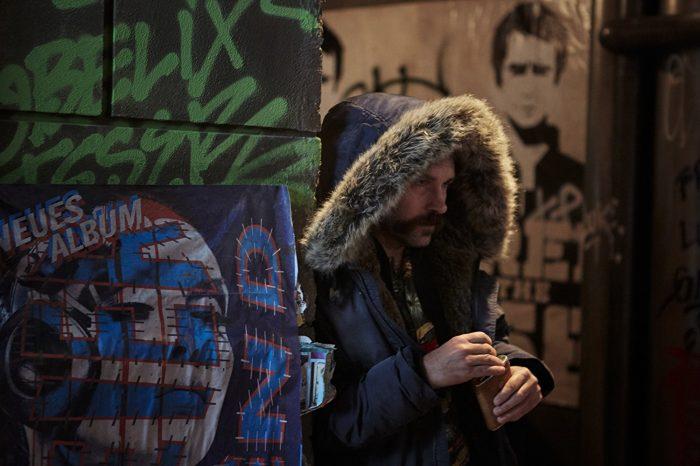 '뮤트'는 폴 러드의 필모그래피에서 꽤 독특한 작품이다. 그가 악역을 연기했기 때문이다. 사진 영화 스틸