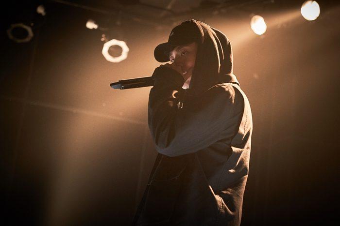 박정민은 '쇼미더머니' 6년 개근의 무명 래퍼 학수를 연기한다. 그는 래퍼 역을 소화하기 위해 촬영 두 달 전부터 랩을 연습했다. 사진 메가박스 플러스엠
