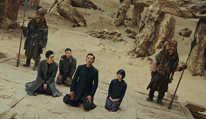 삼차사들이 천 년 동안 이승과 저승을 오간 연유가 '신과함께-인과 연'에서 밝혀진다. 사진 롯데엔터테인먼트