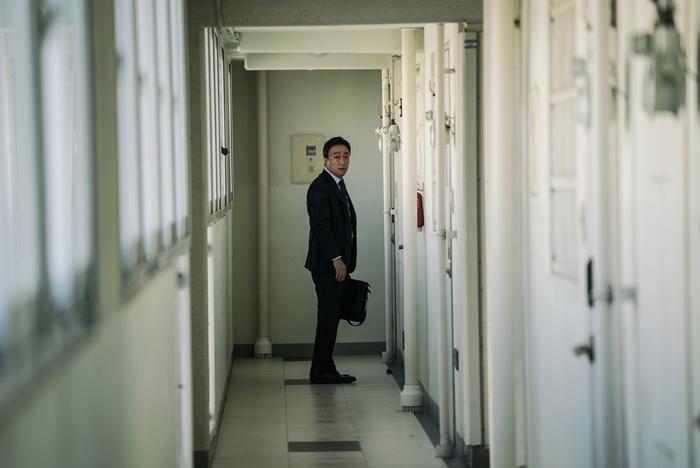 '목격자'는 복도식 아파트를 활용해 침입자로부터 느끼는 두려움을 극대화했다. 사진 NEW