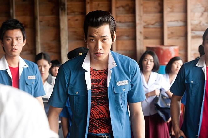 김영광은 두 번째 영화 '피끓는 청춘'(2014)에서 1980년대 고등학교 싸움짱으로 액션 연기를 펼쳤다. 사진 롯데엔터테인먼트