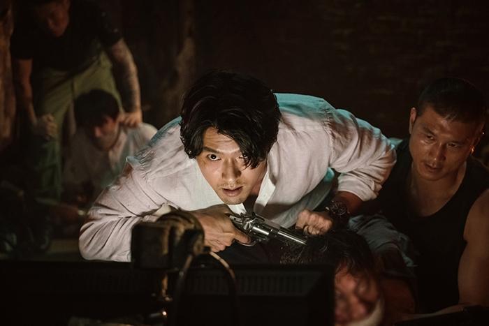'협상'은 실제같은 긴장감을 위해 이원 촬영이라는 독특한 촬영 방식을 택했다. 사진 CJ 엔터테인먼트