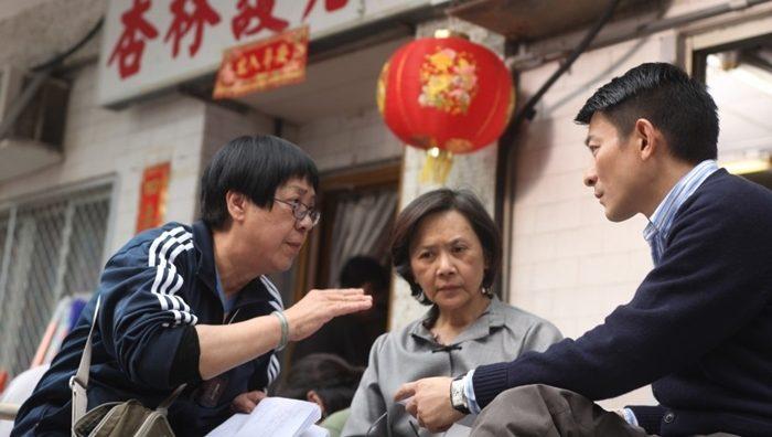 영화 '심플 라이프' 촬영 현장. 허안화 감독(왼쪽). 사진 미로비젼